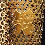 Мэтт готовится принять эстафету олимпийского огня в Кардиффе